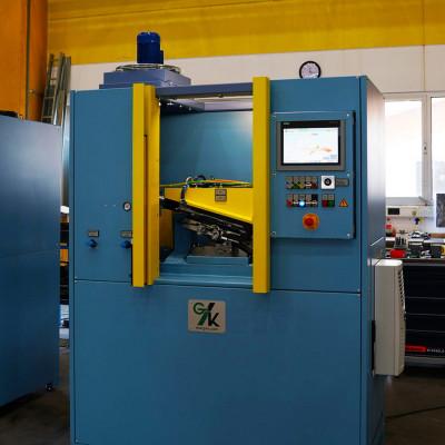 Parts straightening machine