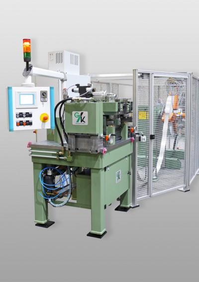 Cut-to-length machine handling aluminum
