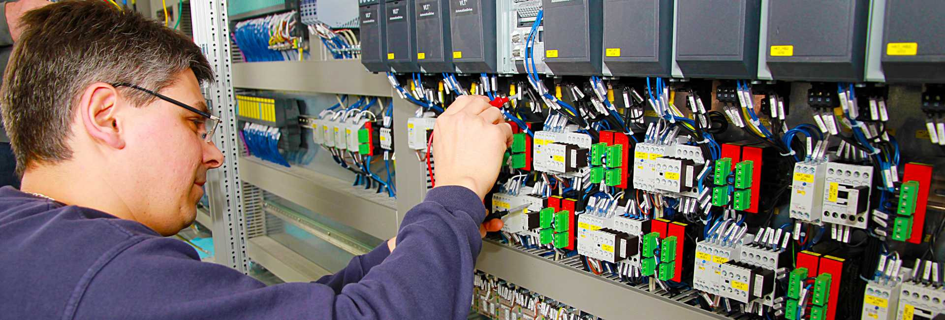 control-cabinet-778639-1920x650.jpg